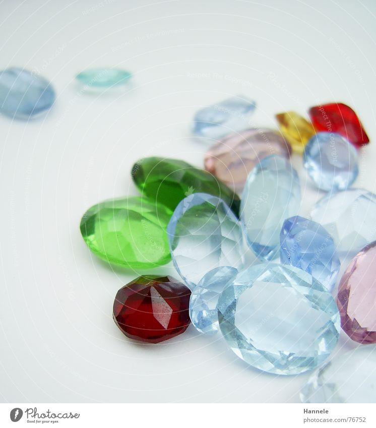 teuerer kitsch weiß grün blau rot gelb Arbeit & Erwerbstätigkeit Stein glänzend rosa fangen Schmuck Kostbarkeit Edelstein Synthese Juwelier