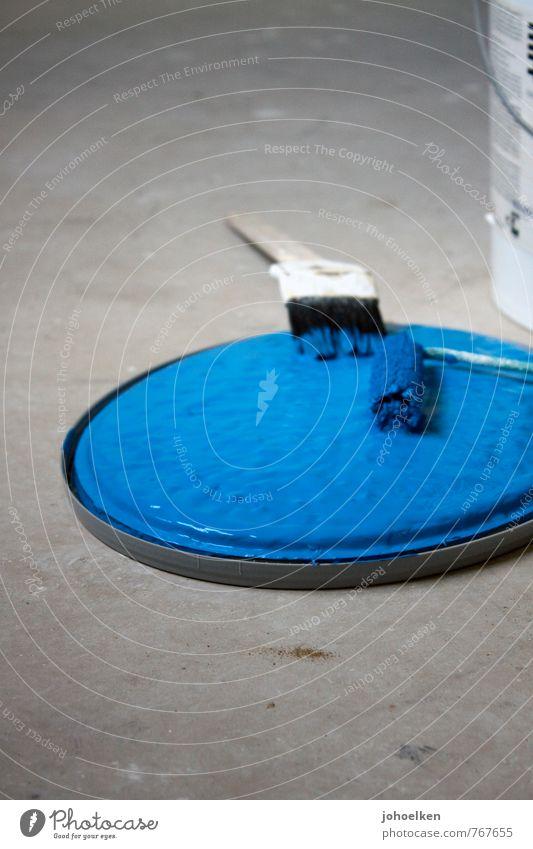 50 | Tapetenwechsel Haus Renovieren Umzug (Wohnungswechsel) Innenarchitektur Pinsel Farbstoff Beton gebrauchen streichen Häusliches Leben Flüssigkeit neu blau