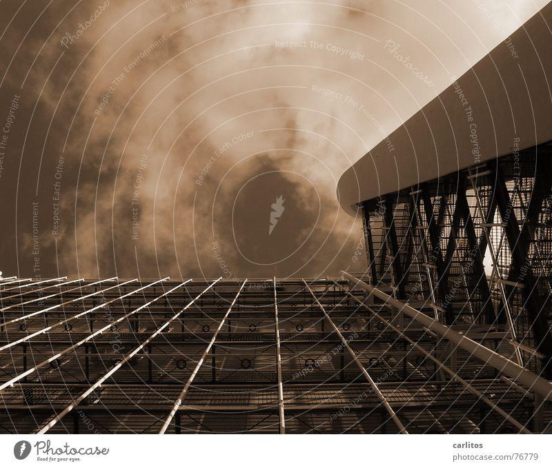 Bild bildet nicht allein Hochhaus Perspektive Sicherheit Steg Flur Gitter Feuerleiter Gitterrost