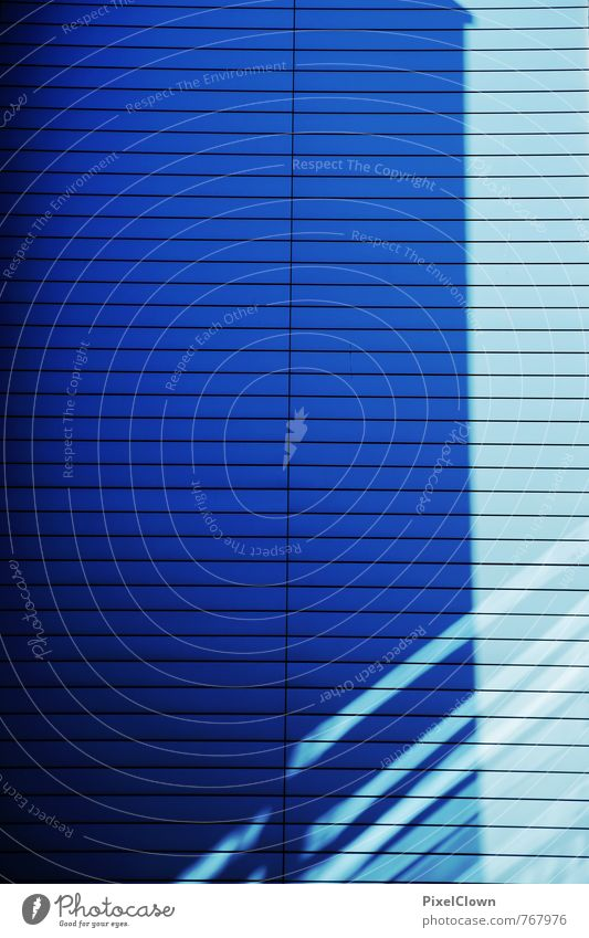 Blaues Design blau Stadt Haus Wand Innenarchitektur Architektur Mauer Stil Fassade Häusliches Leben Büro Hochhaus ästhetisch Coolness retro