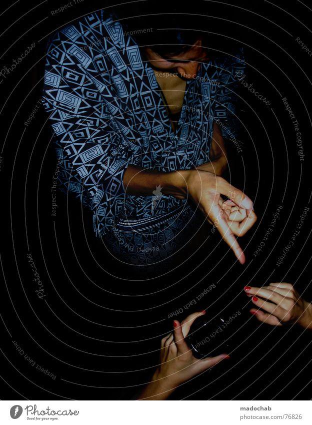 ZEICHENSPRACHE | kommunikation communication sprache communicate Mensch Frau Hand sprechen Glas Finger Kommunizieren Telekommunikation schreiben Student zeigen