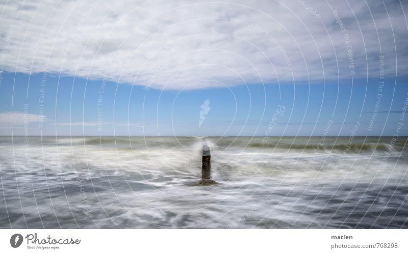 H2O Landschaft Himmel Wolken Horizont Sonnenlicht Wetter Wind Wellen Küste Meer blau weiß Buhne Farbfoto Außenaufnahme Menschenleer Tag Kontrast