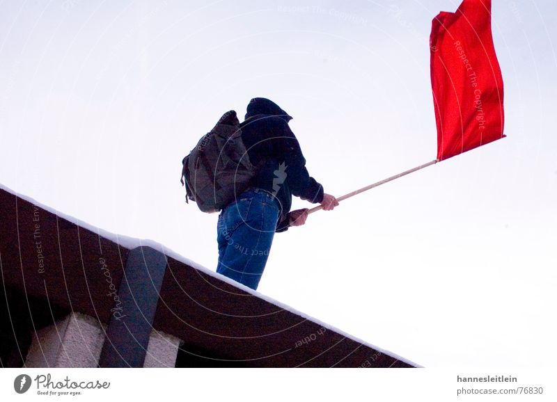 Revolution rot Fahne links Demonstration Wiedervereinigung Rucksack protestieren Gegner