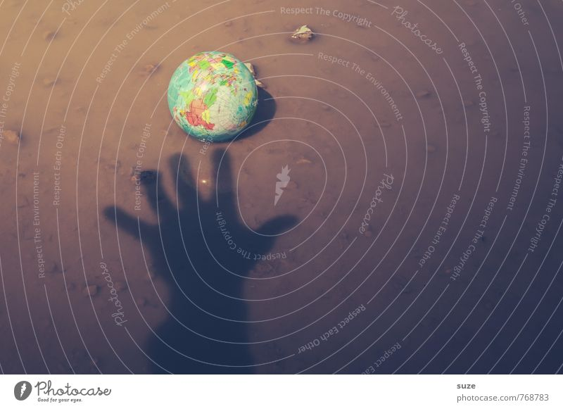 Leider bereits vergriffen ... Wasser Hand Umwelt klein braun Erde Business dreckig Arme Klima bedrohlich Zukunft Idee rund Macht