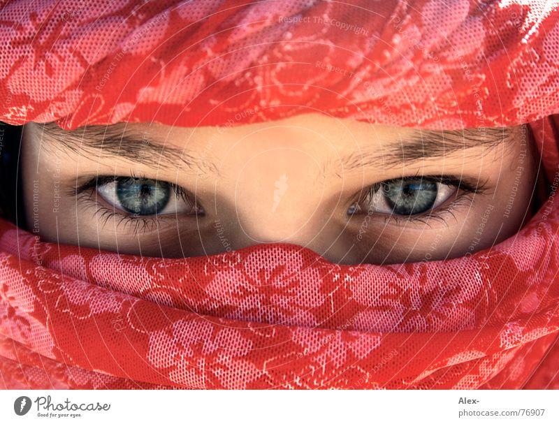 Reiß dich los Kind Mädchen schön Blume blau rot Auge Afrika Wärme Arme Wüste Physik heiß tief Tuch Völker