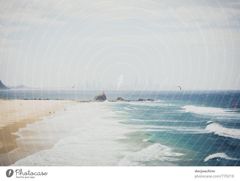 Surfers im Nebel Freude Gesundheit Wellness Freizeit & Hobby Ferien & Urlaub & Reisen Strand Meer Wassersport Surfen Drachenfliegen Pazifikstrand Werbebranche