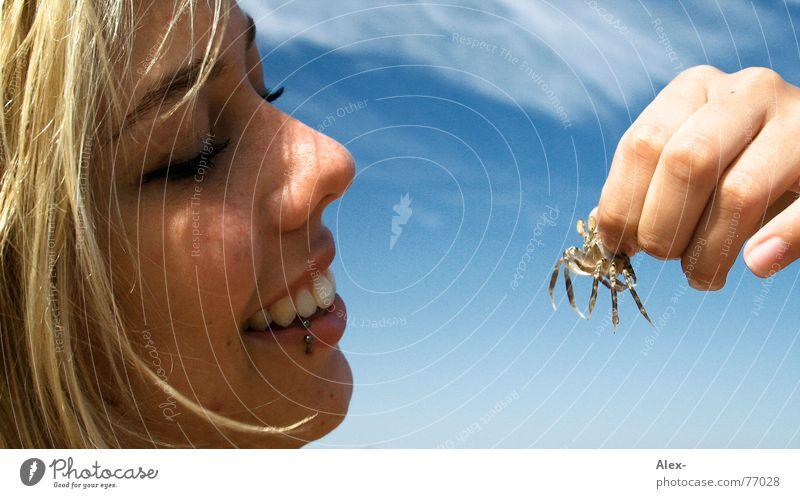 Mr Crabs - Bist du's? Frau schön Himmel Freude Auge Wolken Ernährung Glück lachen Fuß See klein süß Insekt Appetit & Hunger grinsen