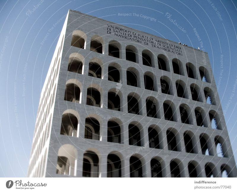 Palazzo della Civiltà Italiana *three* Italien Denkmal Euro Rom
