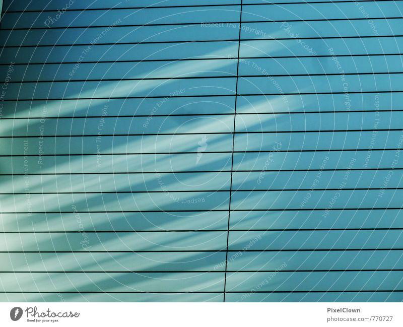 Blaue Sicht blau Stadt Wand Architektur Mauer Gebäude Holz Stimmung Lifestyle glänzend Häusliches Leben Design leuchten Hochhaus ästhetisch beobachten