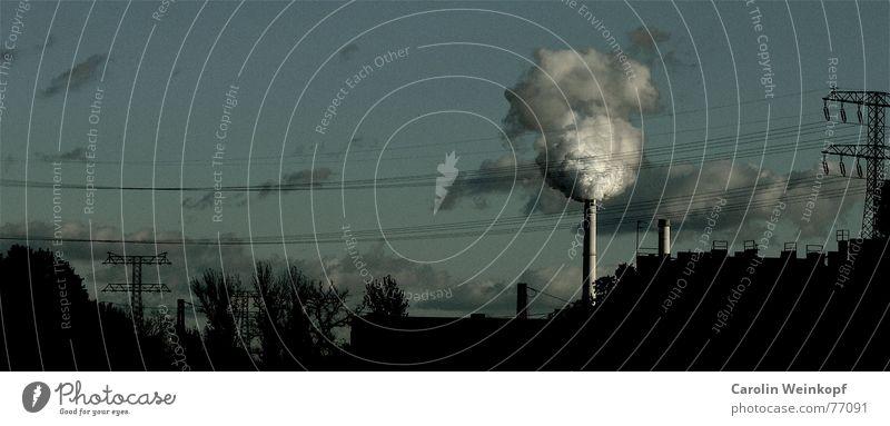 Rauch ist die Zuckerwatte der Zivilisation. Himmel Baum Wolken Ferne Berlin Herbst Freiheit dreckig Kabel Sehnsucht Rauch Strommast Schornstein Stromkraftwerke Friedrichshain Treptow