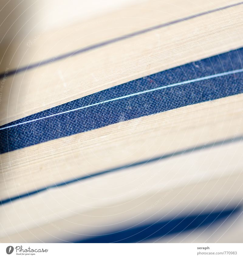 Bücherstapel Buch buchrücken lesen Buchseite Linie abstrakt Strukturen & Formen Blatt Karton Papier Bildung Kommunizieren Schriftzeichen Schriftstück Stapel