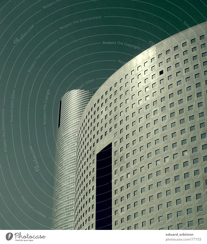 Das Schwarze Schaf Himmel Stadt Ferne Fenster Architektur Gebäude Business Wohnung Fassade hoch Ordnung modern Hochhaus ästhetisch rund Klarheit