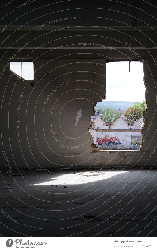 Ruhe in Trümmern weiß Fenster Wand Architektur Mauer Zeit Stein kaputt Bauwerk Fabrik eckig Zerstörung Demontage Abrissgebäude