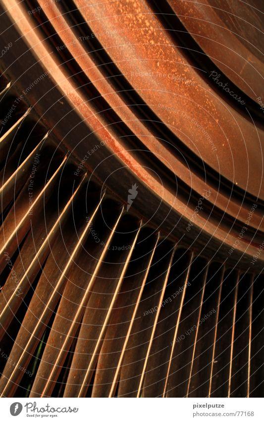 TourBiene alt rot Bewegung Linie Kraft Metall Wind Rost Triebwerke Fächer