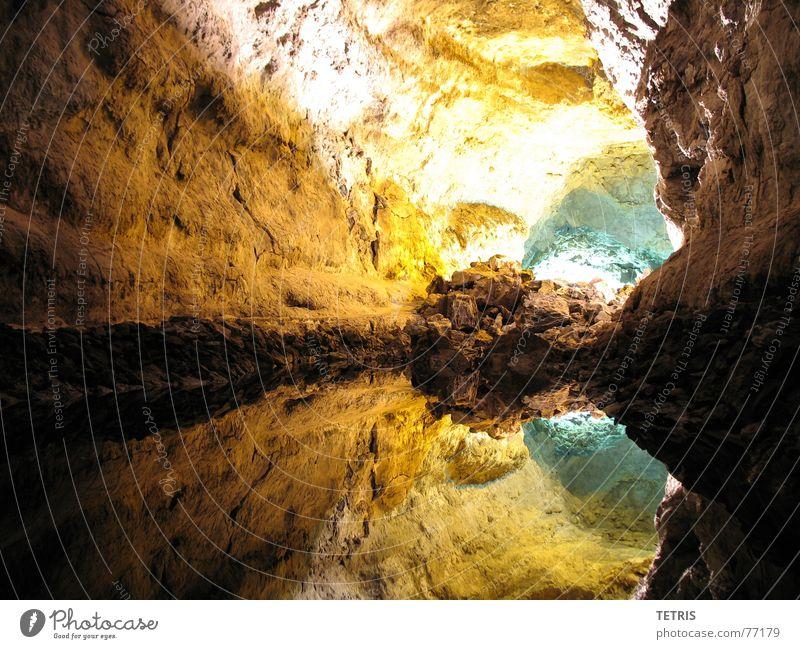 Schlucht oder See ? Ferien & Urlaub & Reisen Stein Vulkan Höhle Lava Lanzarote Tropfsteinhöhle