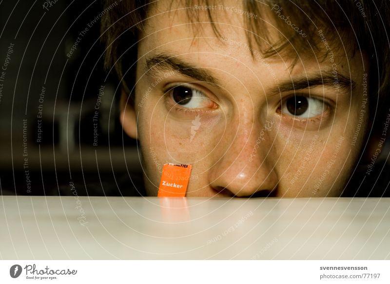 Süß oder??? Porträt Suche Tischplatte Augenbraue Pupille Mensch Gesicht Farbe Nase Haare & Frisuren Ohr Tischkante
