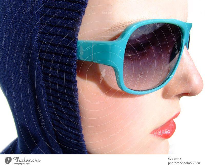 Sunglases everywhere XVIII Lippen Lippenstift Licht Stil Reihe Frau Porträt glänzend Kosmetik Sonnenbrille gestikulieren Bekleidung Sommer Haut session Mensch