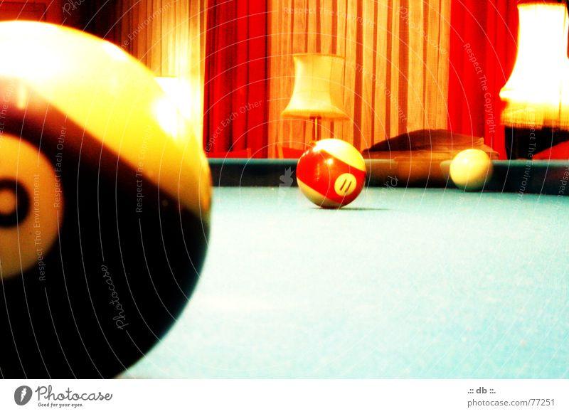 .:: BILLARD ::. rot Lampe orange Tisch Bar Bild Kugel Billard Queue Leuchtrakete