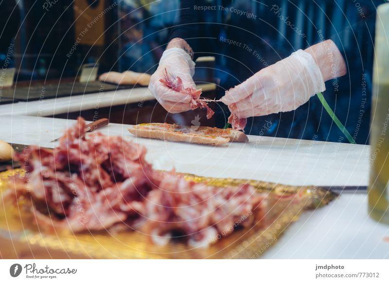 sandwich maker Hand Freude Gesunde Ernährung Essen Lebensmittel Business Lebensfreude Kochen & Garen & Backen kaufen Küche lecker Appetit & Hunger Café Dienstleistungsgewerbe Frühstück Brot