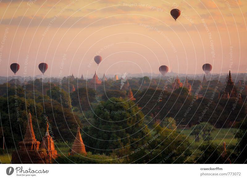 Bagan am Morgen Ferien & Urlaub & Reisen Sommer Sonne Ferne Freiheit Tourismus Ausflug Abenteuer Sehenswürdigkeit Ballone Sightseeing Stupa