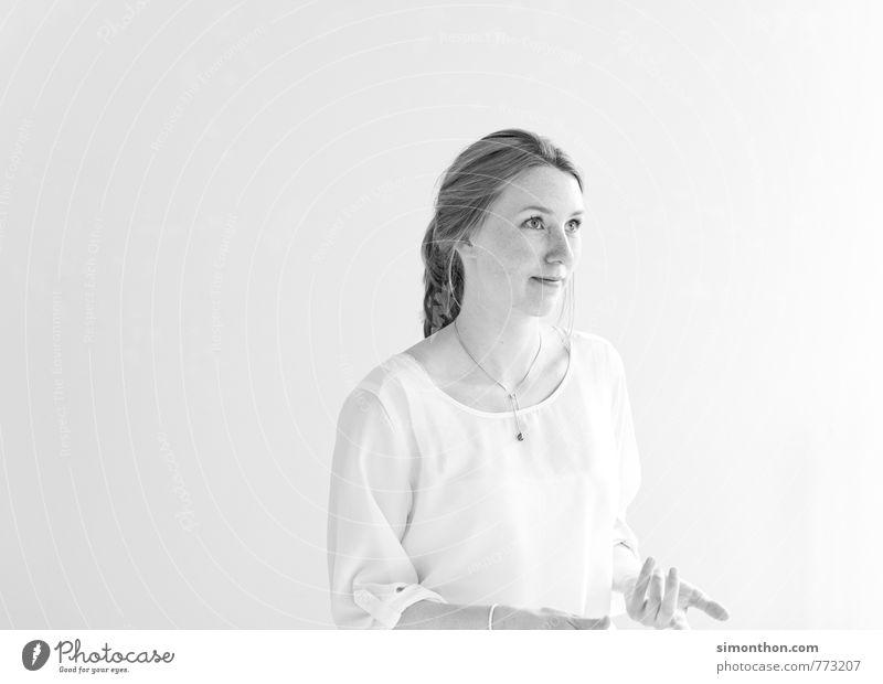gestik Jugendliche 18-30 Jahre Erwachsene feminin sprechen Schule Business Erfolg Perspektive Kommunizieren Studium lernen Pause Neugier Netzwerk Bildung