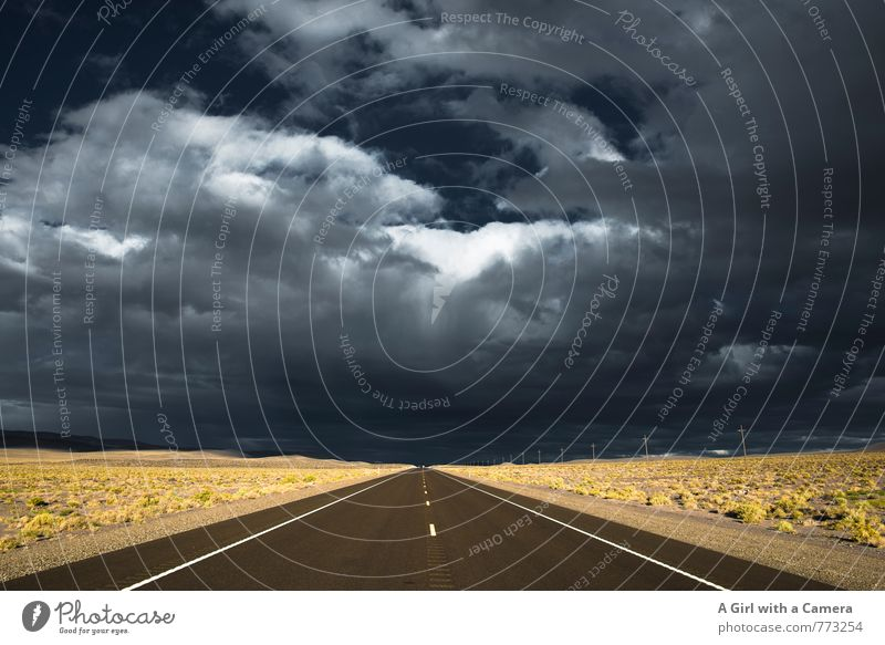 Nevada Umwelt Natur Landschaft Himmel Wolken Gewitterwolken Sommer Wetter Schönes Wetter schlechtes Wetter bedrohlich USA Autobahn Ferne tief Horizont Farbfoto
