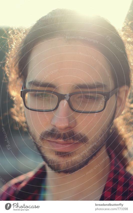 Where is my mind? Mensch maskulin Junger Mann Jugendliche Erwachsene Gesicht Bart 1 18-30 Jahre Brille brünett langhaarig Zopf Denken träumen schön einzigartig