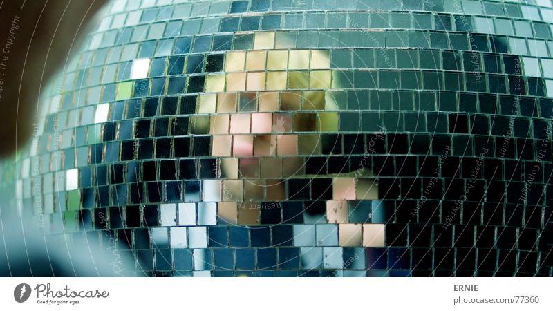 Es ist Ich Selbstportrait Spiegel Disco klein rund groß Unschärfe blond Hand ich Kugel Haare & Frisuren irgentwas