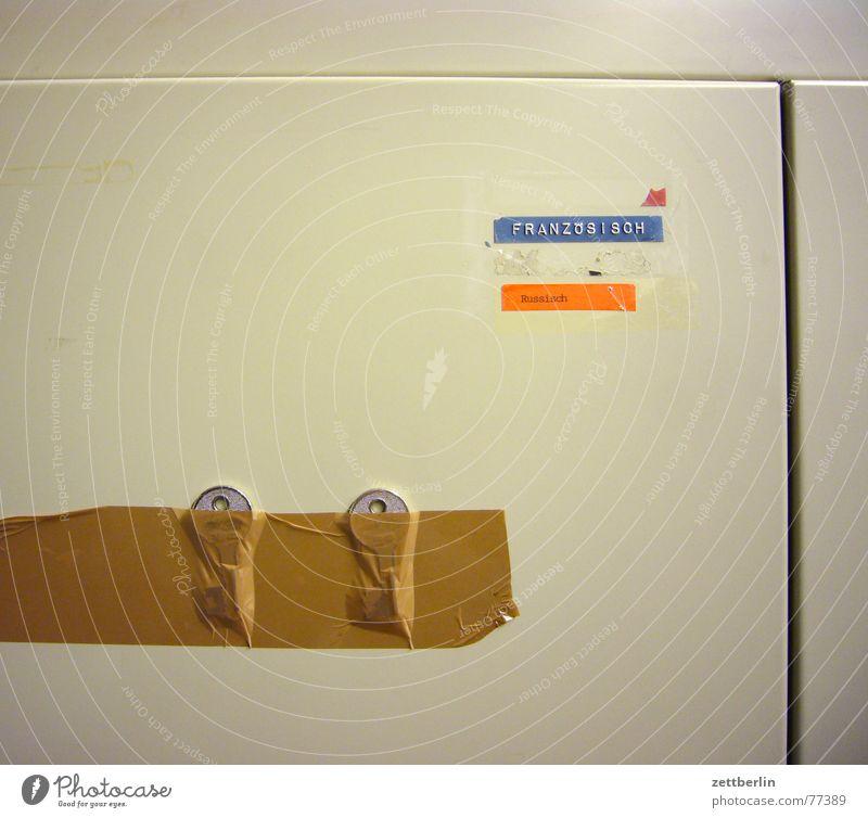 Lieblingsfoto blau grau braun orange Metall Klebstoff Umzug (Wohnungswechsel) Frankreich Russland Schlüssel Schrank Vorbereitung Klebeband Spind