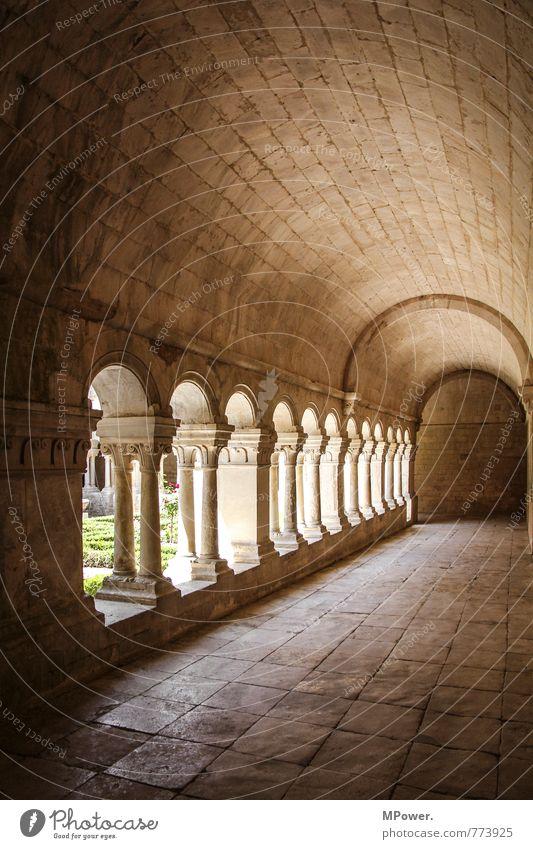 Kreuzgang alt Architektur Gebäude Religion & Glaube Bauwerk Denkmal Frankreich Sehenswürdigkeit Säule Gang Sandstein Kloster Arkaden