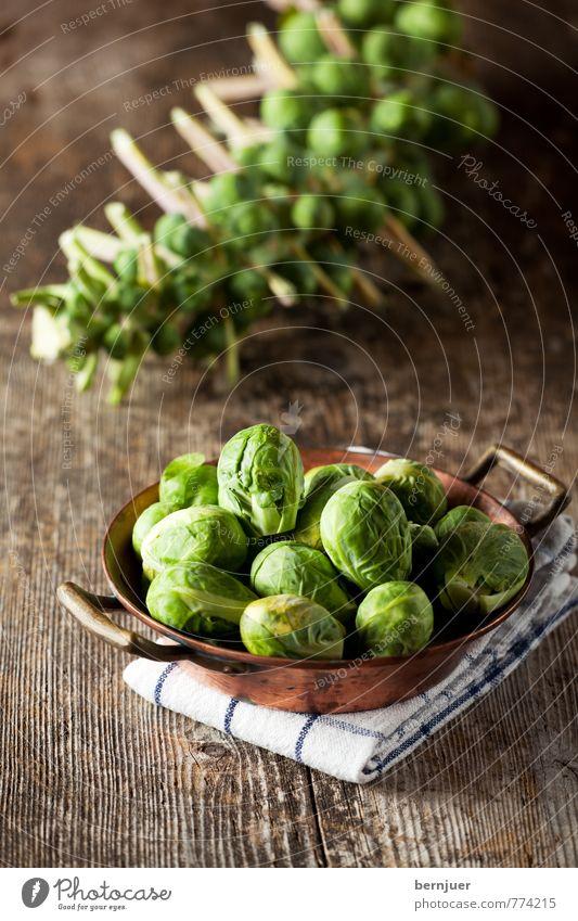 lecker Kugeln gelb Lebensmittel Ernährung rund Kochen & Garen & Backen gut Gemüse Stengel Bioprodukte Schalen & Schüsseln Vegetarische Ernährung Holztisch
