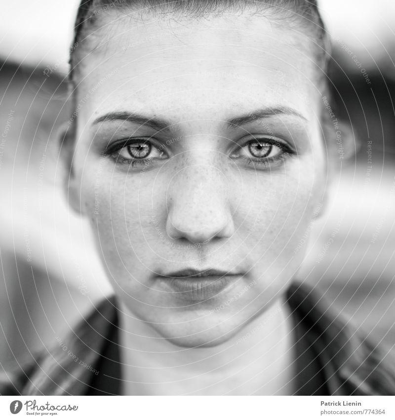 Bright Eyes Mensch Frau Jugendliche schön Junge Frau 18-30 Jahre kalt Gesicht Erwachsene Auge Leben feminin natürlich Gesundheit Kopf elegant