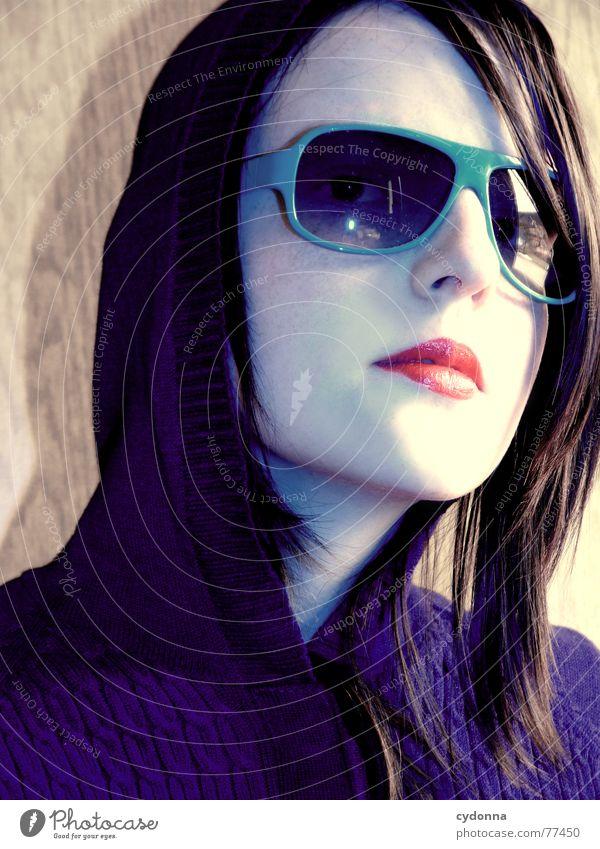 Sunglases everywhere XIX Frau Mensch Gesicht Stil Haare & Frisuren Haut glänzend Bekleidung Lippen Reichtum Reihe Kosmetik Gesichtsausdruck Sonnenbrille Kapuze