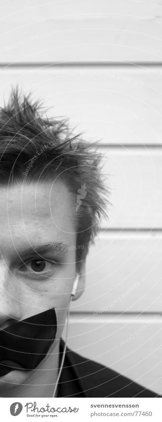 Einmal Aufschnitt, Bitte! Porträt Augenbraue Stirn Wange Kopfhörer Klebeband Musikkassette Mann maskulin gesucht stumm hören Verbote Sprechverbot Zensur Mensch