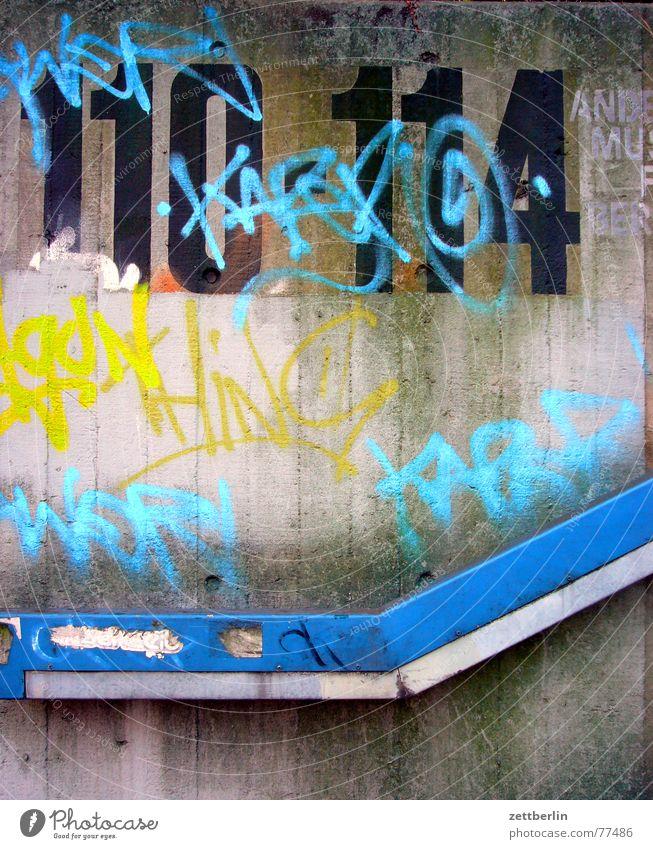 110-114 Haus Ziffern & Zahlen Narrenhände Tisch Wand grafito grafitti beschmiern und Geländer