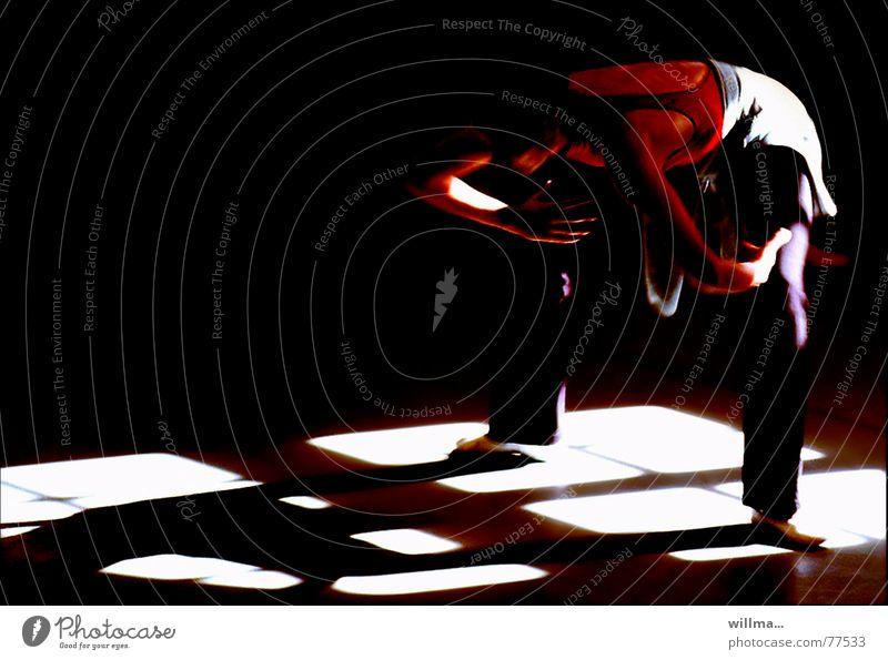 ---- dehnung ---- Frau Erwachsene Fenster Tanzen Pause Theaterschauspiel Müdigkeit Balletttänzer Tänzer üben dehnen