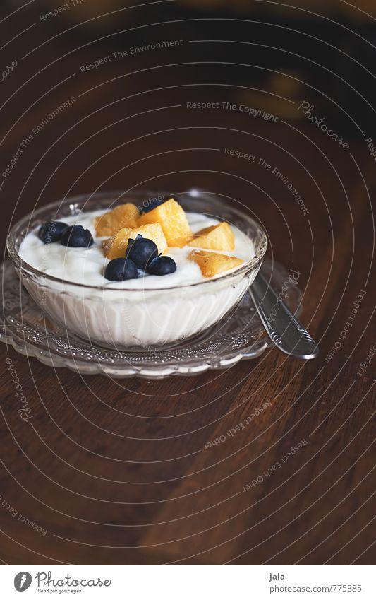 fruchtquark Lebensmittel Joghurt Milcherzeugnisse Frucht Dessert Ernährung Frühstück Bioprodukte Vegetarische Ernährung Teller Schalen & Schüsseln Löffel frisch