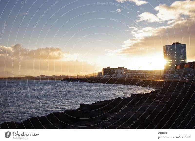 durchleutet Wasser Himmel Wolken Sonne Schönes Wetter Küste Bucht Meer Reykjavík Island Hauptstadt Stadtrand Skyline Menschenleer Hochhaus frei blau gelb
