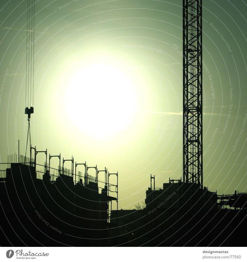 Sonnenfrost Himmel grün Winter Haus schwarz kalt Arbeit & Erwerbstätigkeit grau hell Deutschland Europa Baustelle Wüste heiß Teilung