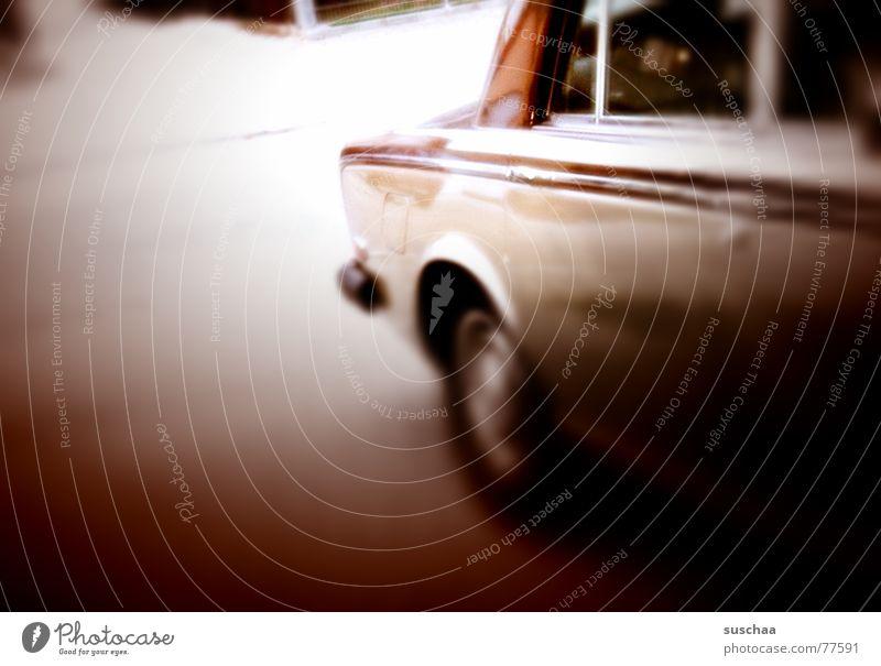 e audo .. Wagen stehen fahren Autofahren Autofenster Tunnelblick braun PKW Rolle-royce Straße von der seite Oldtimer altehrwürdig
