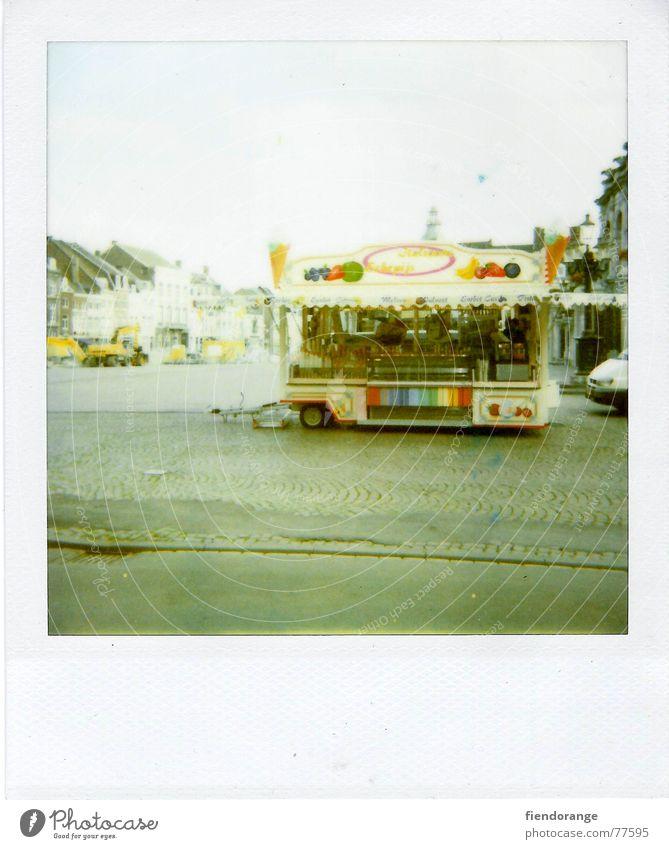 one fun fair Himmel Straße Polaroid retro stehen Appetit & Hunger Süßwaren Jahrmarkt Lust
