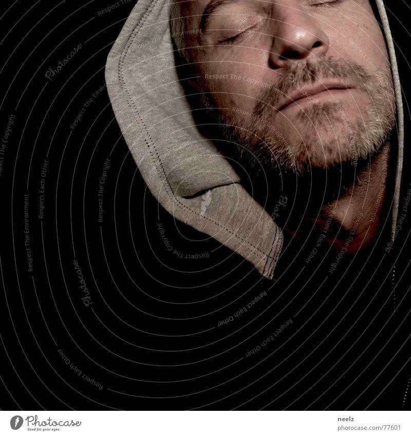 | s e l f | Kapuze schwarz grün grau face Gesicht pakuze Auge eyes shut geschlossen