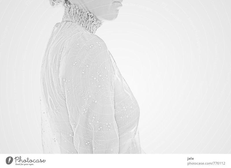 silbergrau Mensch feminin Frau Erwachsene 1 30-45 Jahre ästhetisch außergewöhnlich elegant hell Erotik weiß Schwarzweißfoto Innenaufnahme Hintergrund neutral