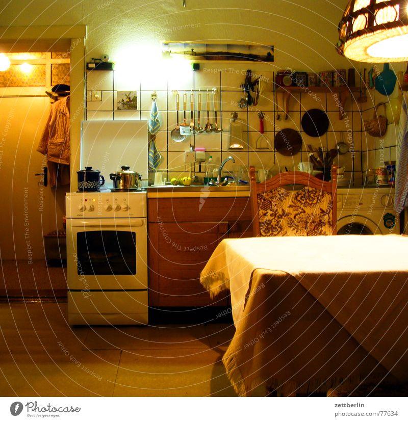 Küche kalt Garten Tür Kräuter & Gewürze Tisch Bekleidung Stuhl Apfel heiß Fliesen u. Kacheln Geschirr Tasse Regal Teller Flur
