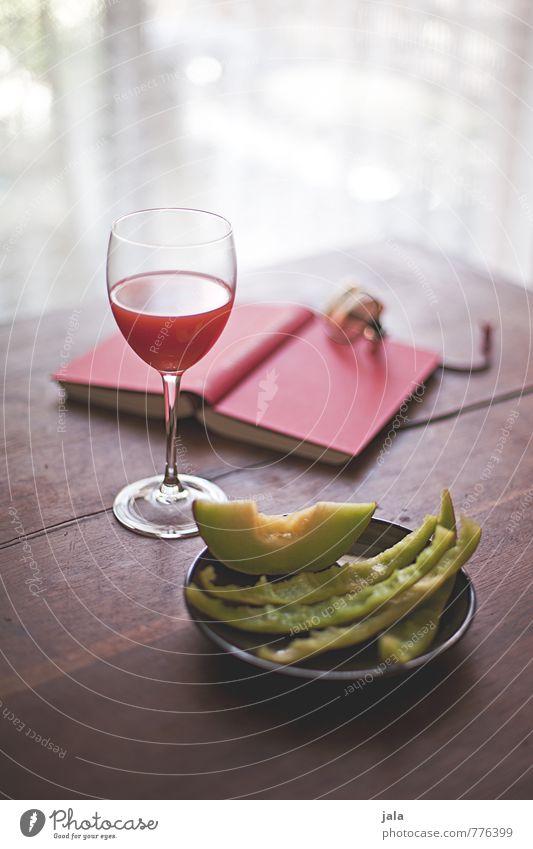 melone Lebensmittel Frucht Melonen Ernährung Picknick Fingerfood Getränk Erfrischungsgetränk Saft Teller Glas Wohnung Innenarchitektur Tisch Holztisch Vorhang