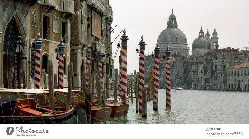 Weh-nee-Dich Venedig Italien Europa Canal Grande Gracht Menschenleer Städtereise Gondel (Boot) Anlegestelle Wasser historisch alt Altstadt Historische Bauten