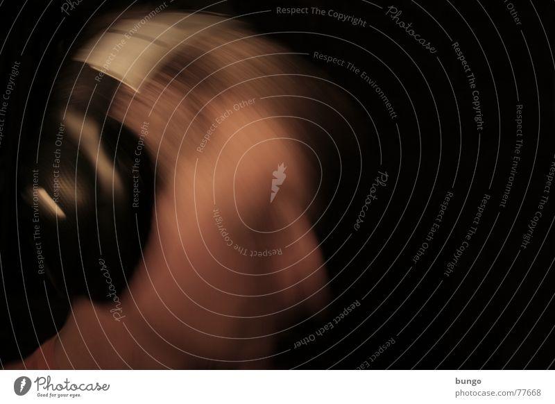 I Don't Feel Like Dancin' Musik hören Kopfhörer Selbstportrait Takt Unschärfe Bewegungsunschärfe Techno durchdrehen laut Feierabend Erholung nicken Musikhit