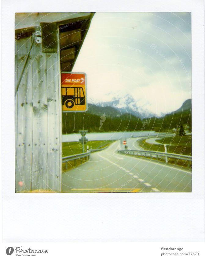 denk dra lüt a Straße Berge u. Gebirge See Luft Schilder & Markierungen Schweiz Bushaltestelle