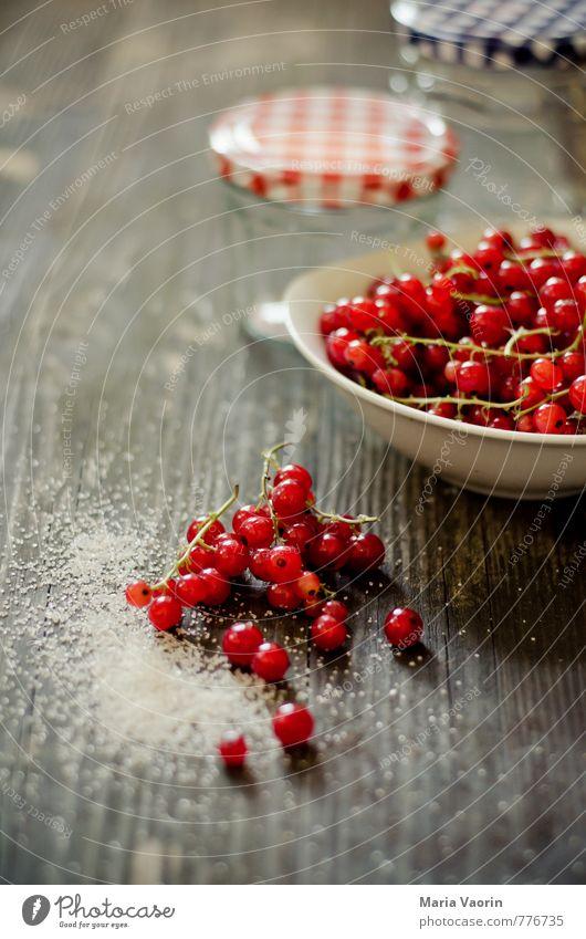Vorbereitung Lebensmittel Frucht Marmelade Ernährung Frühstück Schalen & Schüsseln Gesundheit saftig süß rot Johannisbeeren Beeren Marmeladenglas Schraubglas