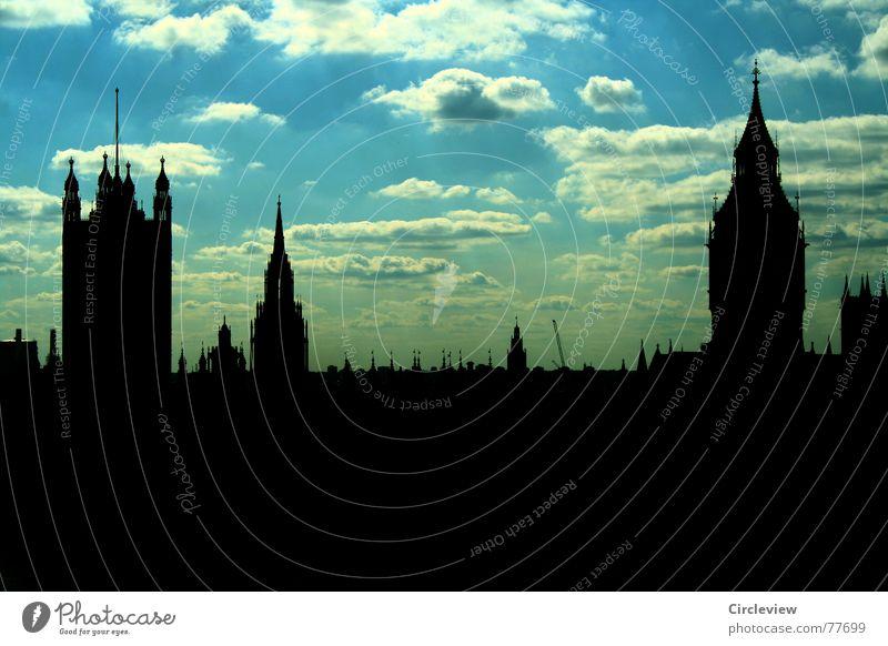 SKYline England Großbritannien Tourist Glockenspiel Wahrzeichen Gebäude Bekanntheit Kunst Wolken Gegenlicht Ferien & Urlaub & Reisen Himmel dunkel Mitte Bauwerk